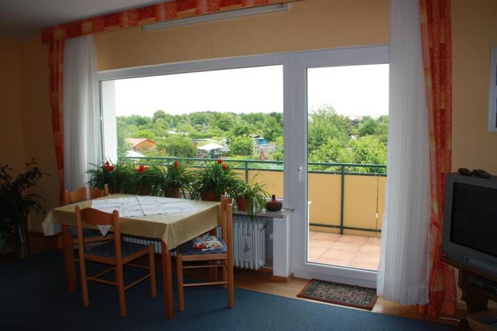 monteurzimmer pension lange ferienwohnung in 61169 friedberg hessen. Black Bedroom Furniture Sets. Home Design Ideas