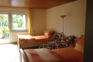 monteurzimmer ferienwohnung frech in 76744 w rth am rhein schaidt. Black Bedroom Furniture Sets. Home Design Ideas