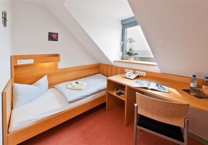 monteurzimmer haus volkersberg in 97769 bad br ckenau startseite design bilder. Black Bedroom Furniture Sets. Home Design Ideas