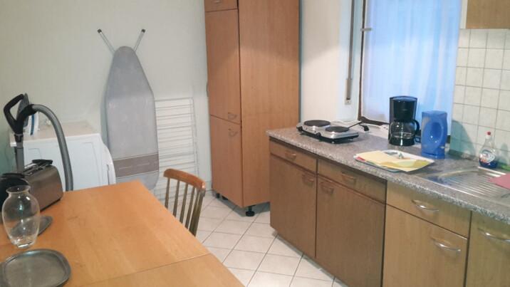 monteurzimmer haus laura in 86154 augsburg. Black Bedroom Furniture Sets. Home Design Ideas