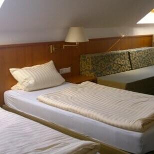 monteurzimmer sleep in germany hamburg in 20459 hamburg. Black Bedroom Furniture Sets. Home Design Ideas