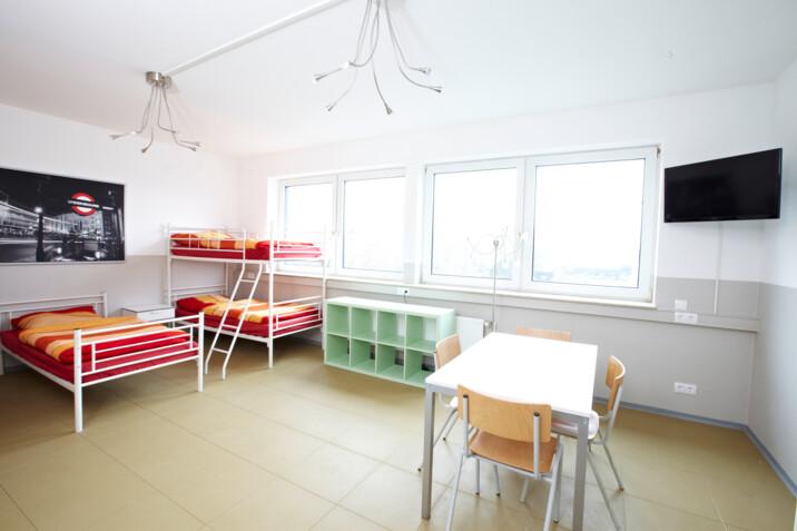 Monteurzimmer handwerker unterkunft hannover in 30629 for Zimmer hannover