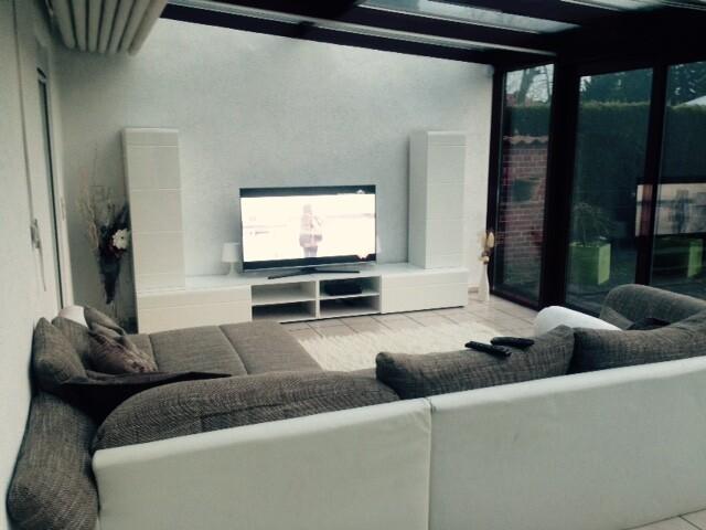 Wohnzimmer Mit TV Und Sky