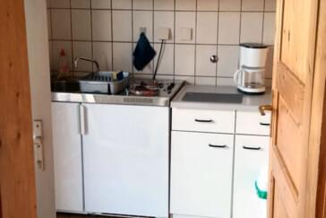 monteurzimmer monteur ferienwohnung direkte autobahnanbindung in 63456 hanau. Black Bedroom Furniture Sets. Home Design Ideas